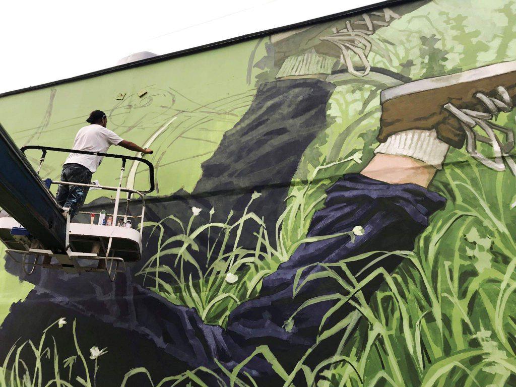 «Теплый» стрит-арт на Керченской