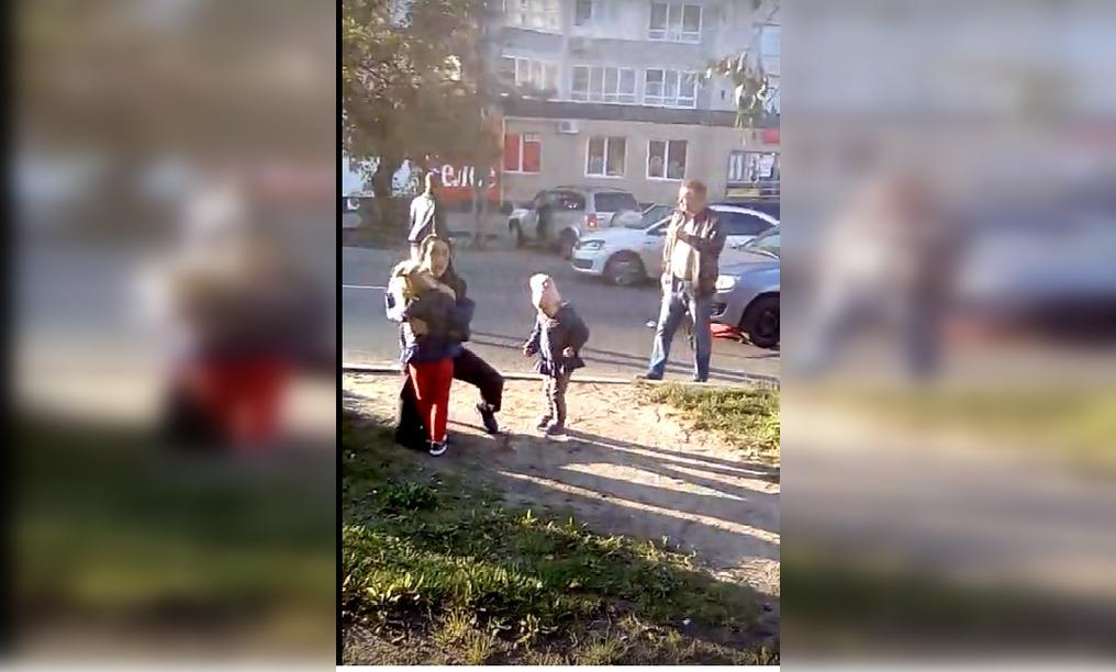 4-летняя девочка попала под колёса автомобиля в Нижнем Новгороде