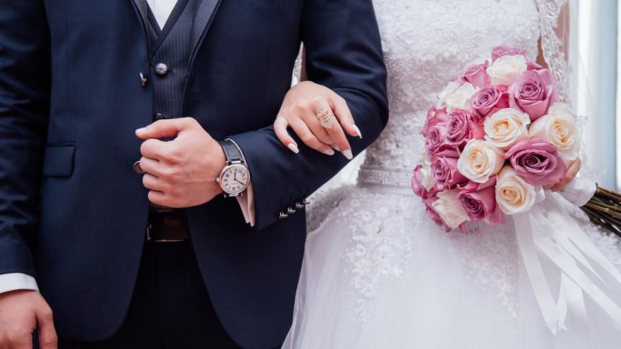 Нижегородские ЗАГСы просят молодожёнов отказаться от пышных свадебных церемоний