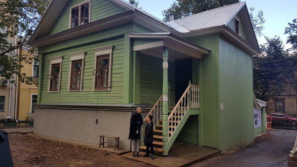 Красил, чистил, реставрировал: нижегородский «Том Сойер» рассказал, как помогал восстанавливать дом