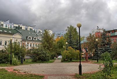 Подрядчик планирует завершить благоустройство сквера имени Жукова и Черного пруда в ноябре