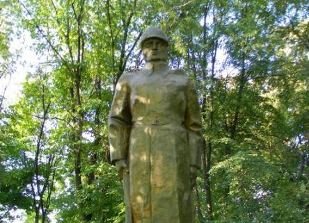 В Бутурлинском районе разворовали деньги на мемориал фронтовикам
