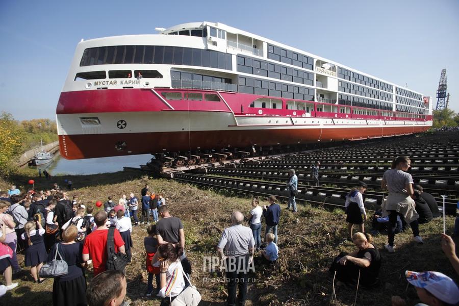 5 звезд за 4 млрд: круизный лайнер «Мустай Карим» спустили на воду на «Красном Сормове»