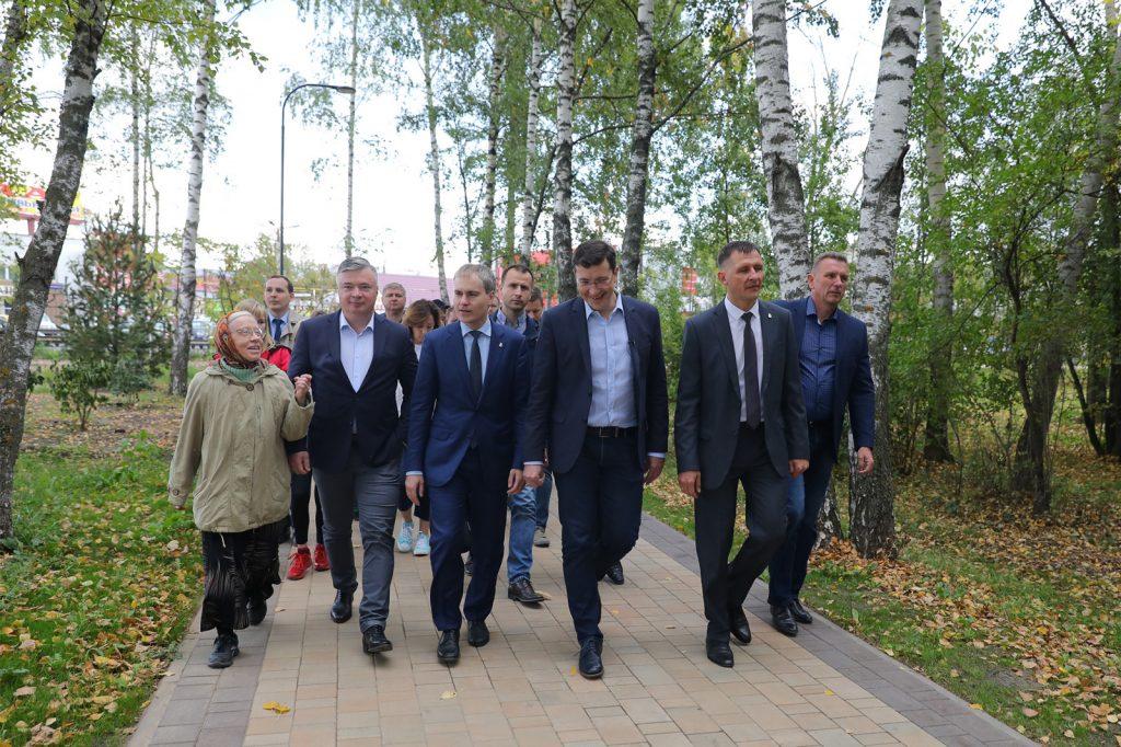 Глеб Никитин поручил проработать вопрос усиления безопасности вСветлоярском парке иустройства ливневой канализации