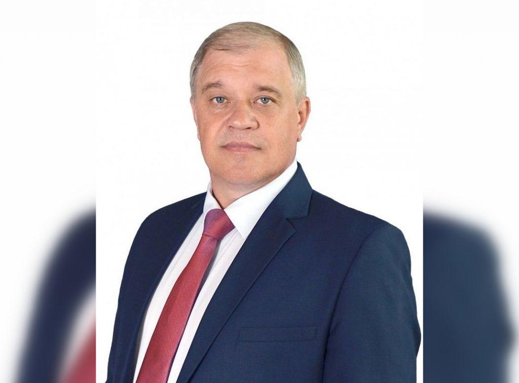 Директора домооуправляющей компании Юрия Яшенкова сняли с должности и арестовали его автомобиль за 4 млн рублей