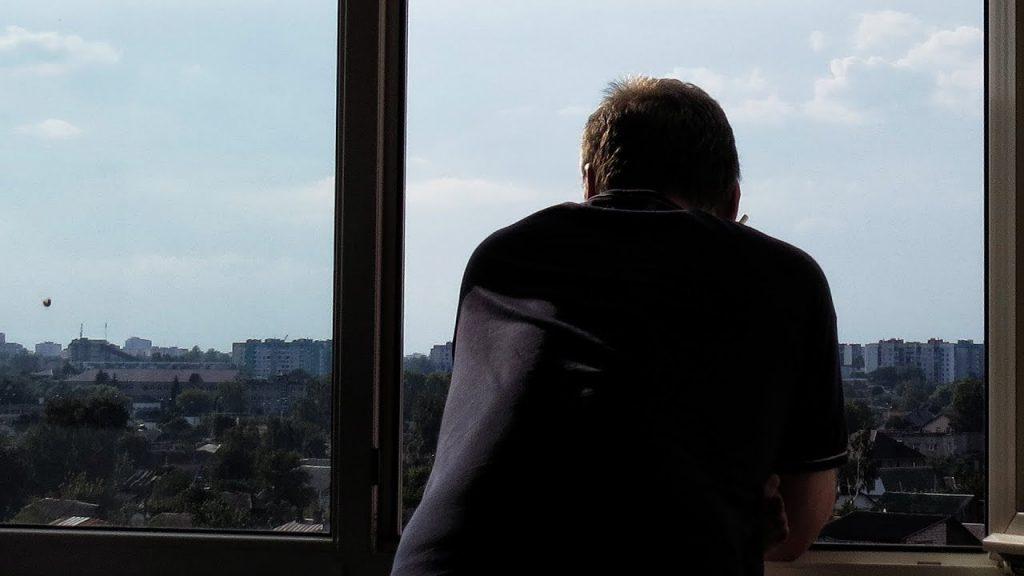 Нижегородцам запретили курить на балконах и лоджиях