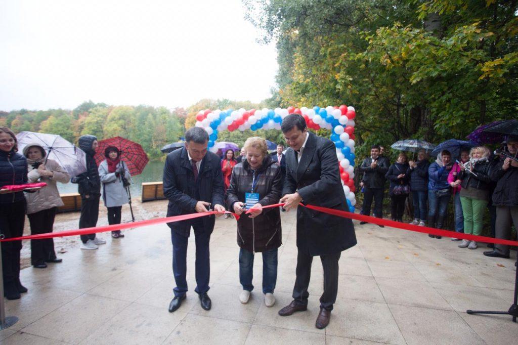 На Щелоковском хуторе открыли после благоустройства второе и третье озеро