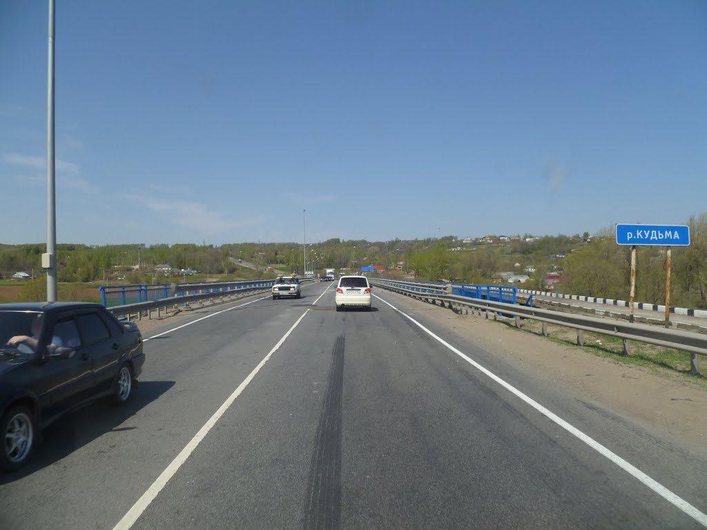 На мосту через реку Кудьма на трассе М-7 временно ограничат движение
