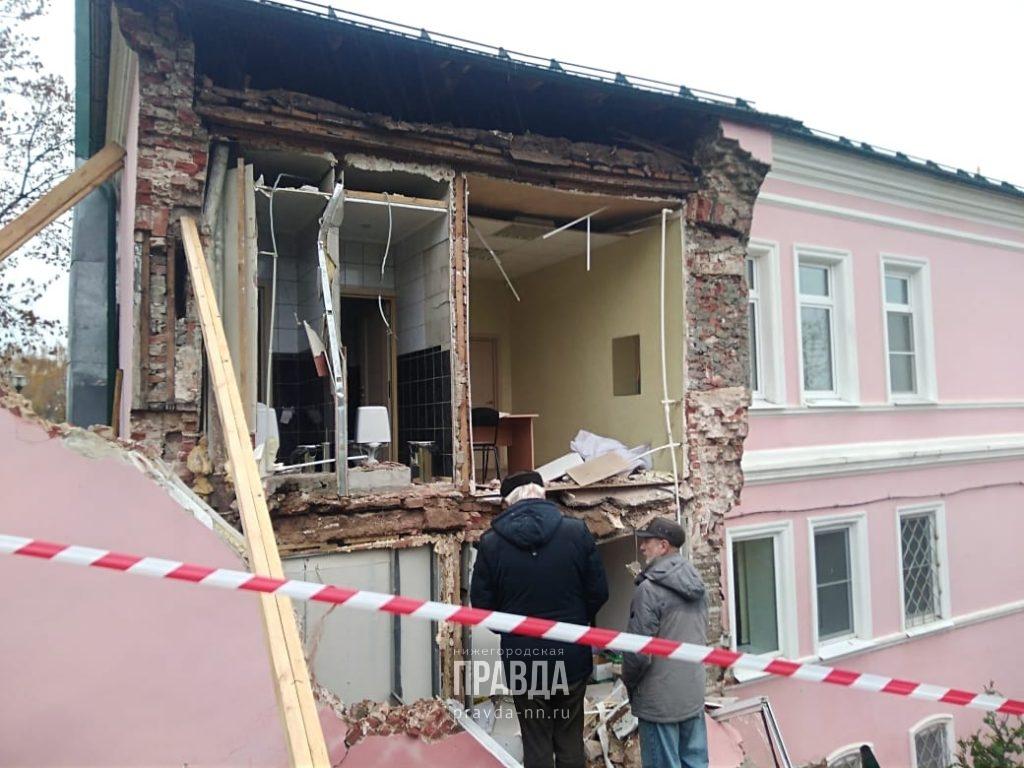 Стена здания духовного училища обвалилась в Нижнем Новгороде: вспоминаем, какие еще дома-памятники разрушила реставрация