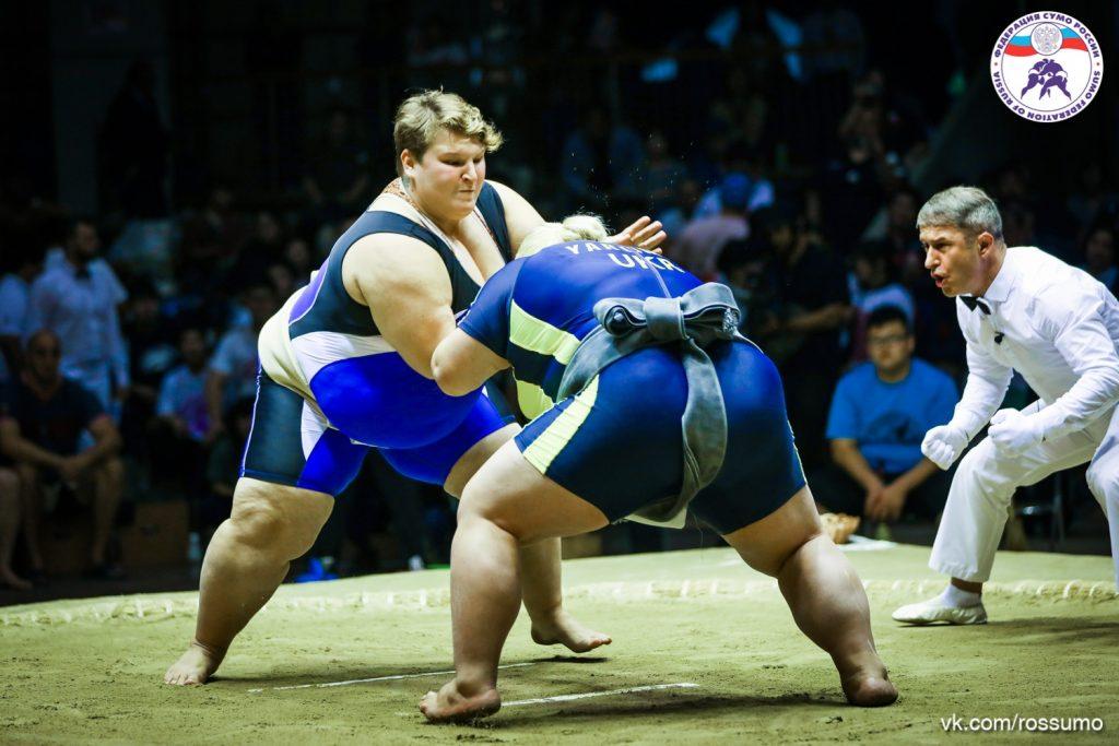 «Я вообще спортом начала заниматься за компанию»: чемпионка мира по сумо рассказала о своем пути к победе