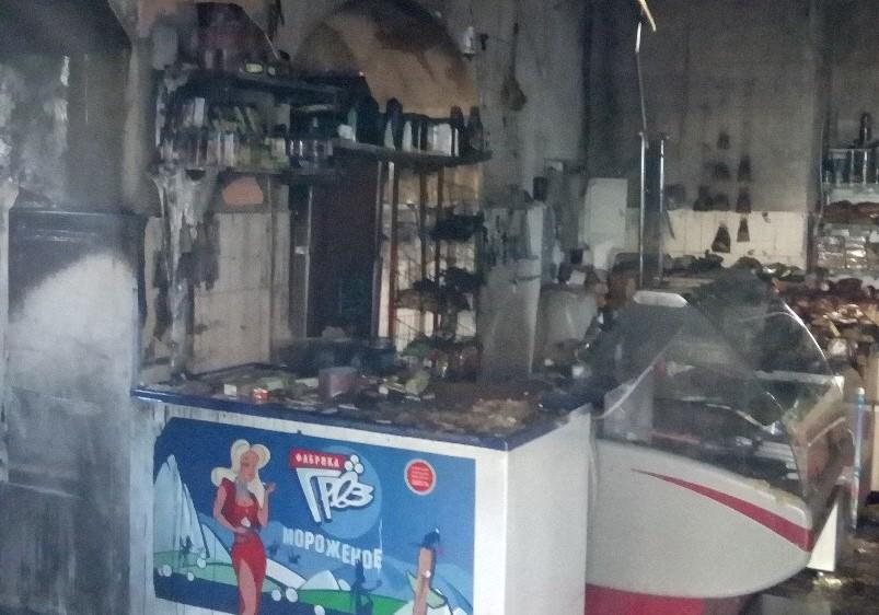 «И без работы теперь, и без мужа»: нижегородец поджёг магазин, где работала его жена (ВИДЕО)