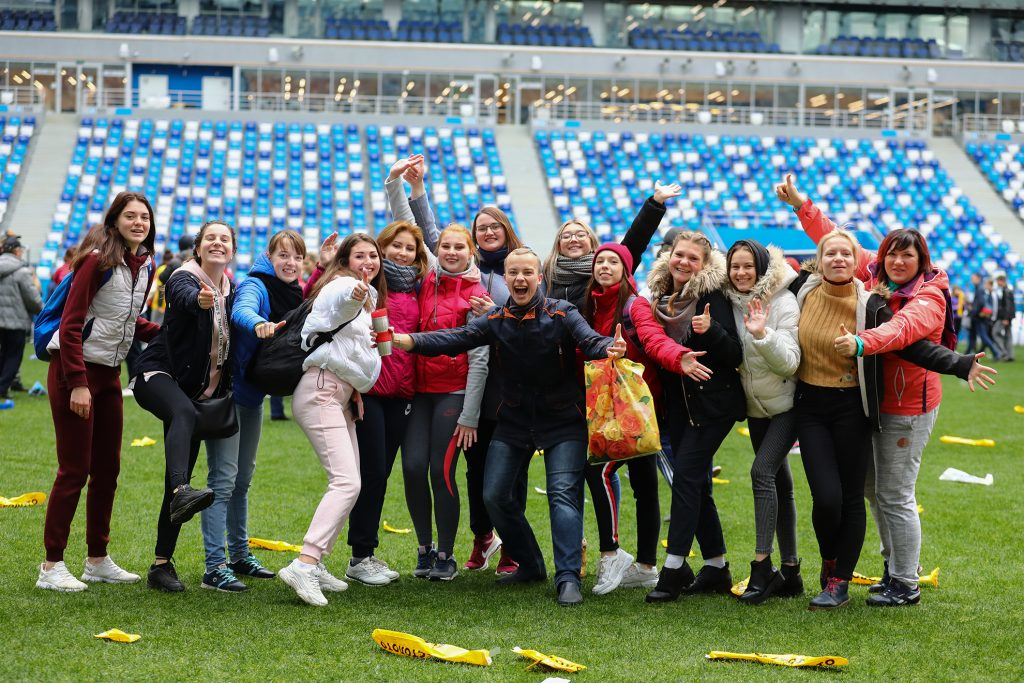 «Вдох глубокий, руки шире»: рассказываем, как прошла зарядка на стадионе «Нижний Новгород»