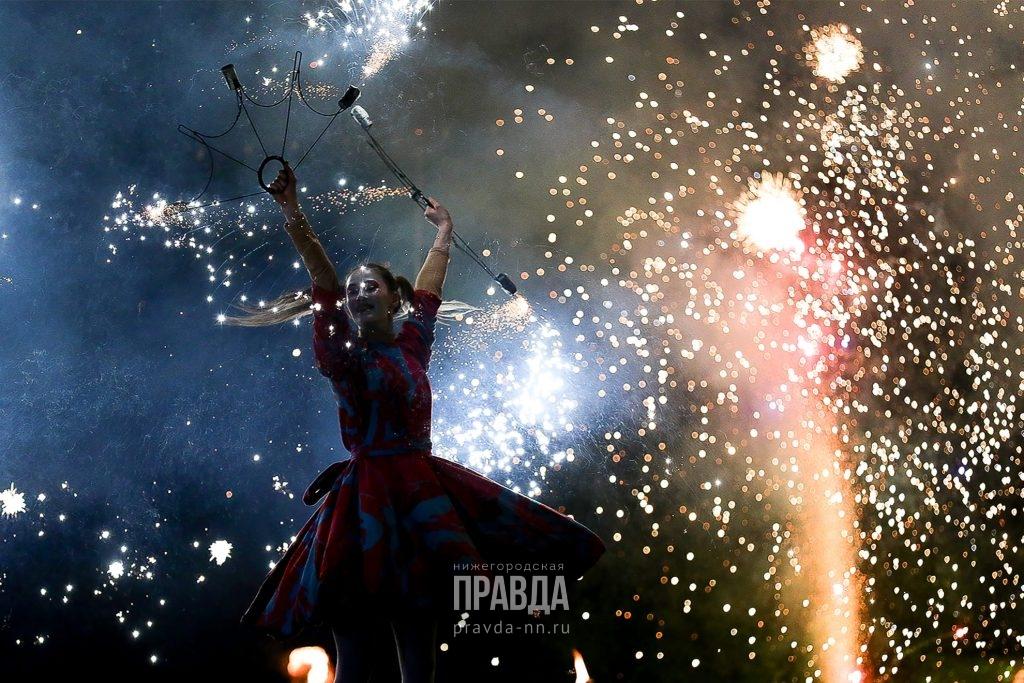 Огонь, металл и рэп: фестиваль «Жарко» фееричной программой завершил форум «Россия — спортивная держава»