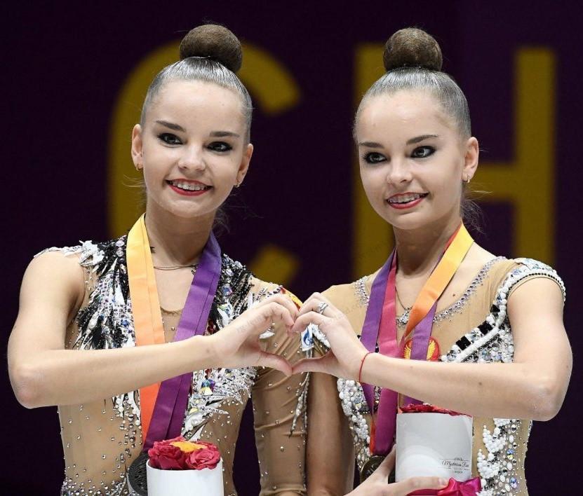 Сестры Аверины победили в международном онлайн-турнире похудожественной гимнастике «Матчевые встречи»