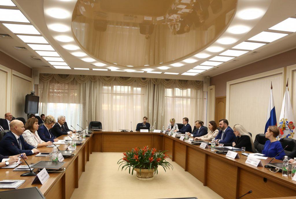 «Принято решение актуализировать соглашение осотрудничестве Нижегородской иНовгородской областей»,— Андрей Бетин