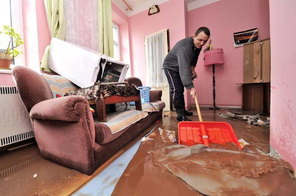 «Таз уполномочен заявить»: кто ответит за лопнувшие трубы в домах нижегородцев