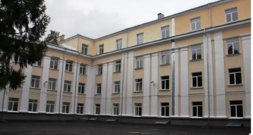 Обед с мухами: нижегородскую школу № 47 закрыли из-за массового отравления детей в школьной столовой