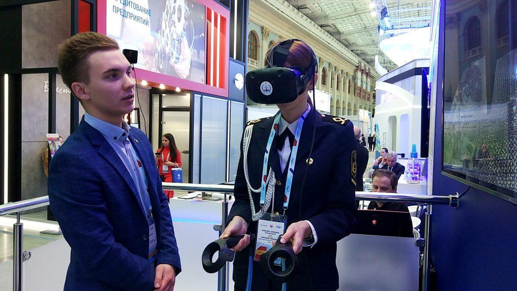 Тренажер для моряков на основе виртуальной реальности представил нижегородский университет на международном форуме в Москве