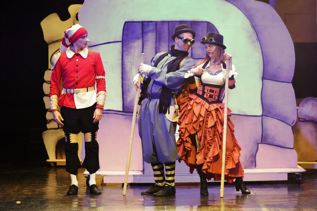 Буратино — суперзвезда: детская сказка на сцене нижегородского ТЮЗа превратилась в блокбастер