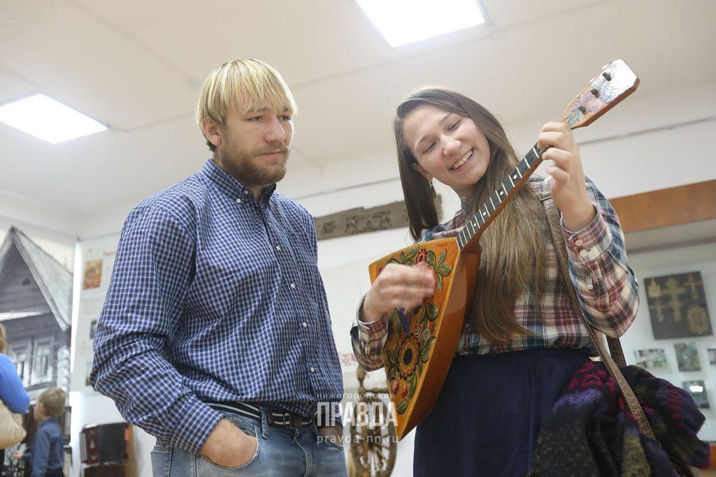 Около 1,7 млн рублей получила детская музыкальная школа вУренском районе назакупку музыкальных инструментов иоборудования