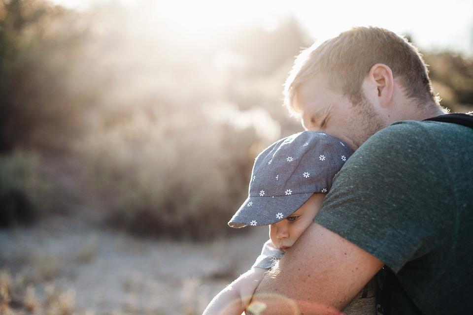 Может ли отчим стать отцом: разбираемся, почему ребенок не хочет принимать «нового папу»