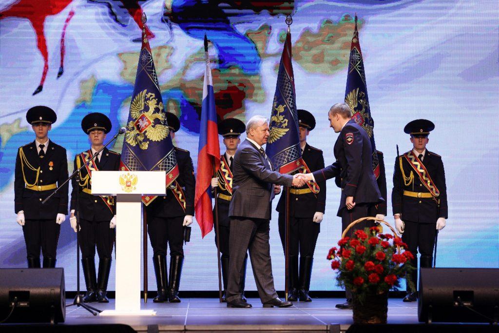 Дмитрий Краснов поздравил сотрудников нижегородской полиции спраздником