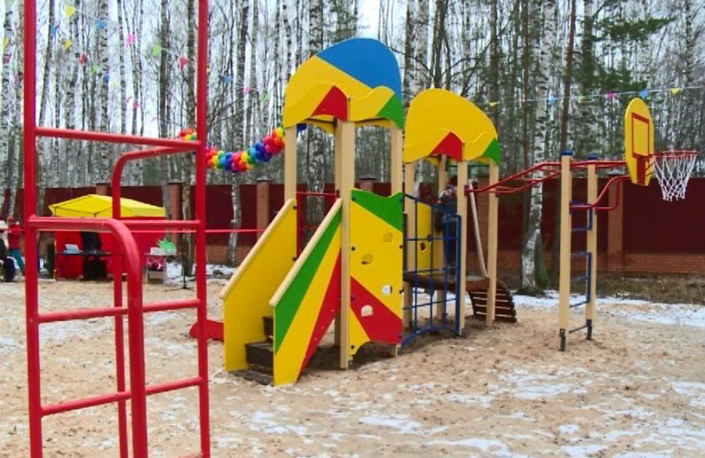 Детский городок построили впоселке Борского округа попрограмме поддержки местных инициатив