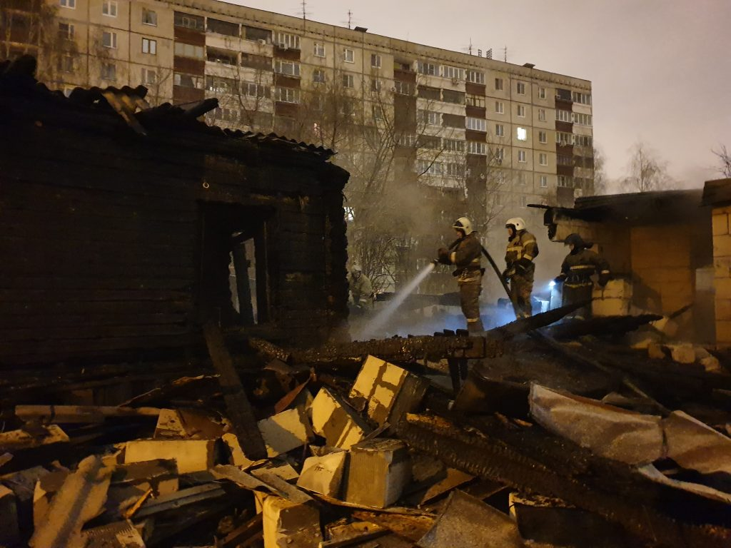 Жилой дом сгорел в Ленинском районе