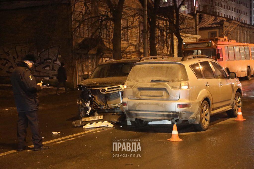 Опубликованы фото с места крупного ДТП в центре Нижнего Новгорода