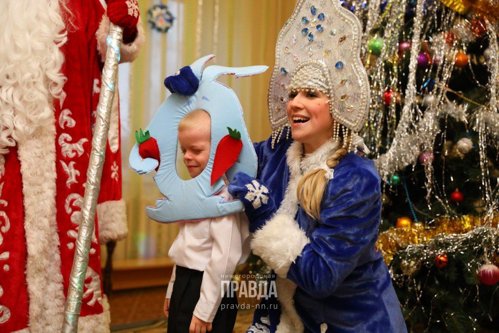 Одобрено Снегурочкой: как выбрать правильных волшебников для своего ребенка