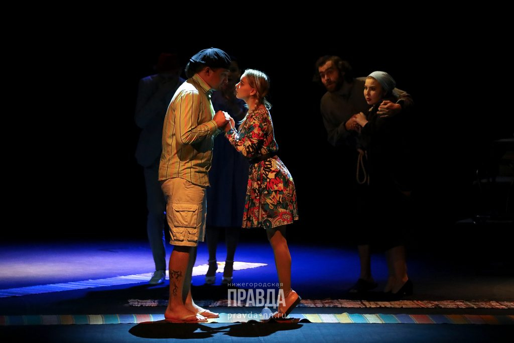 Победителей фестиваля «Театральное Приволжье» наградили в театре «Комедiя»: смотрим, как прошла церемония