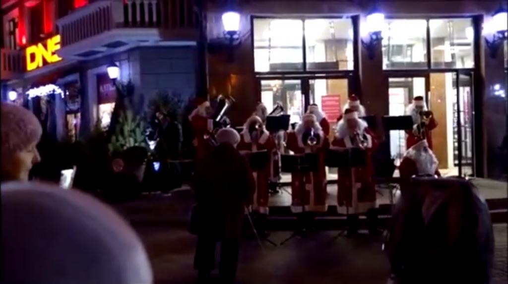 Нижегородские музыканты выступили с концертом в центре Сормово