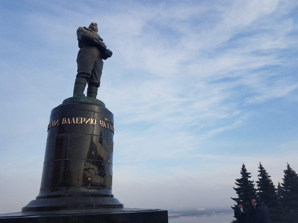 Завершена реставрация памятника Чкалову наглавной площади Нижнего Новгорода