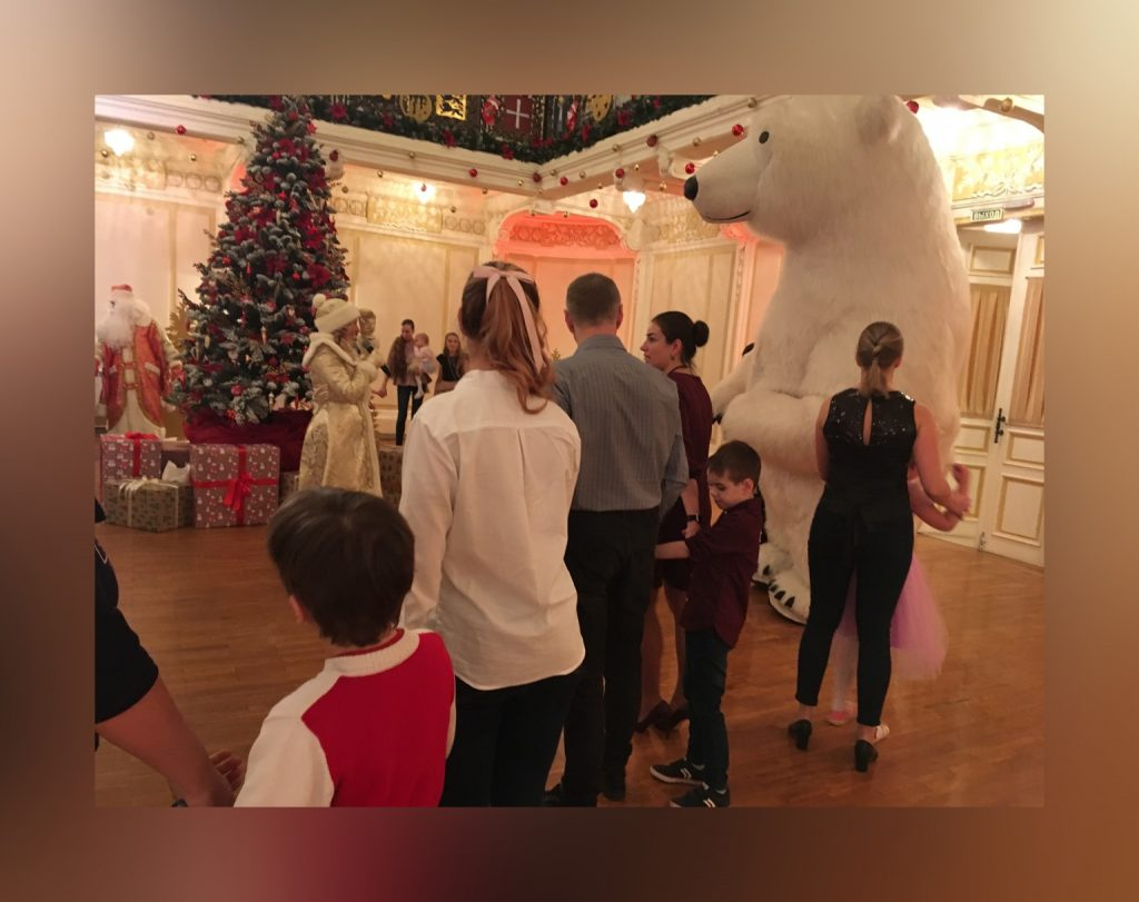 На нижегородской ярмарке проходят  «особенные» новогодние ёлки