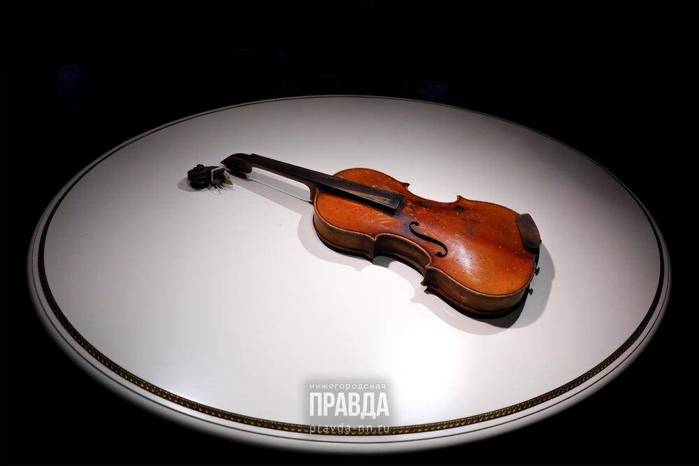 Конфискованную скрипку, изготовленную помодели Страдивари, передали вНижегородский музей-заповедник
