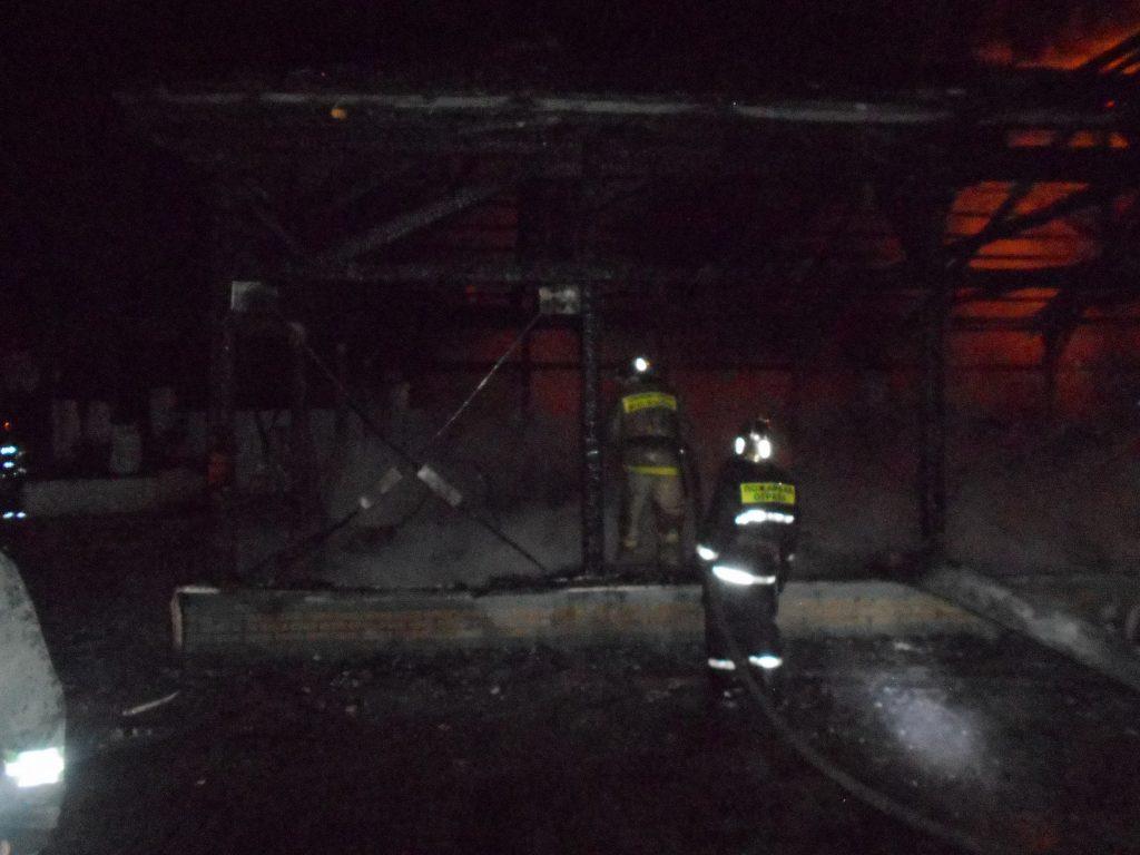 Ресторан «У Александра» сгорел на Гребном канале в Нижнем Новгороде