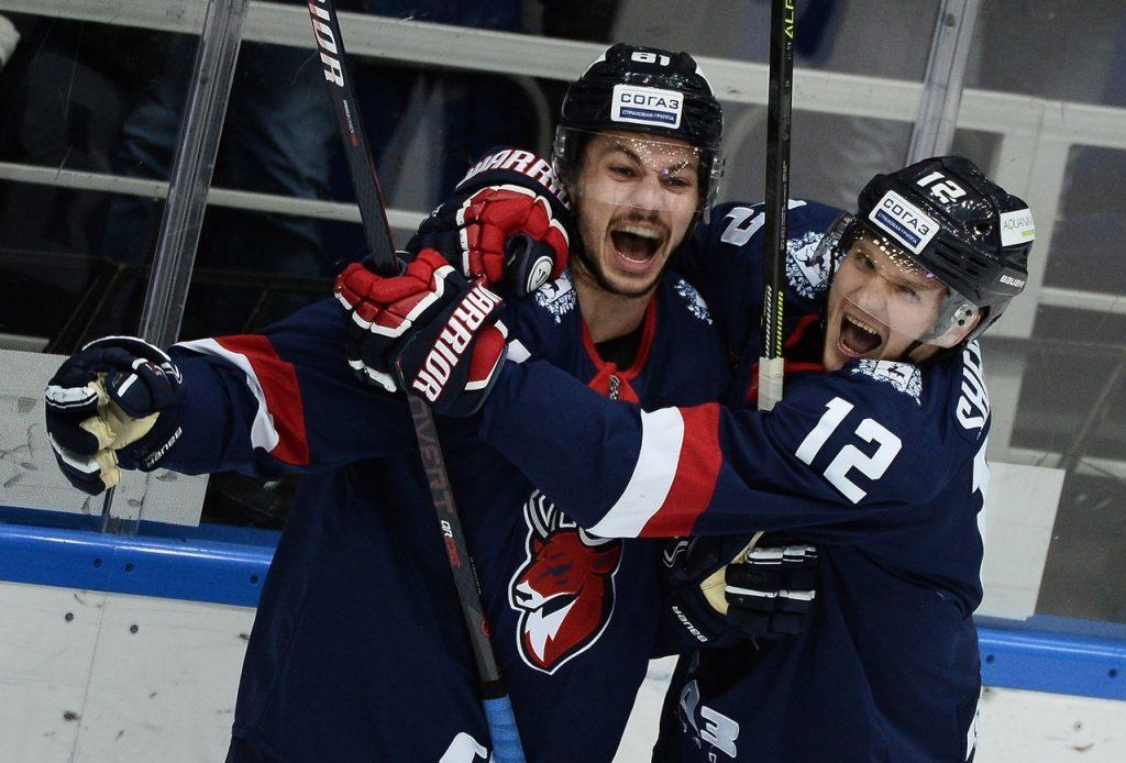 Хоккеисты «Торпедо» разгромили московское «Динамо» под песни «The Beatles»