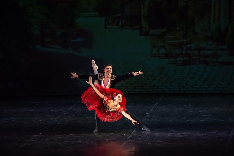 «Хорош, великолепен, обаятелен»: звезда российской балетной сцены Олег Ивенко выступил в Нижнем Новгороде