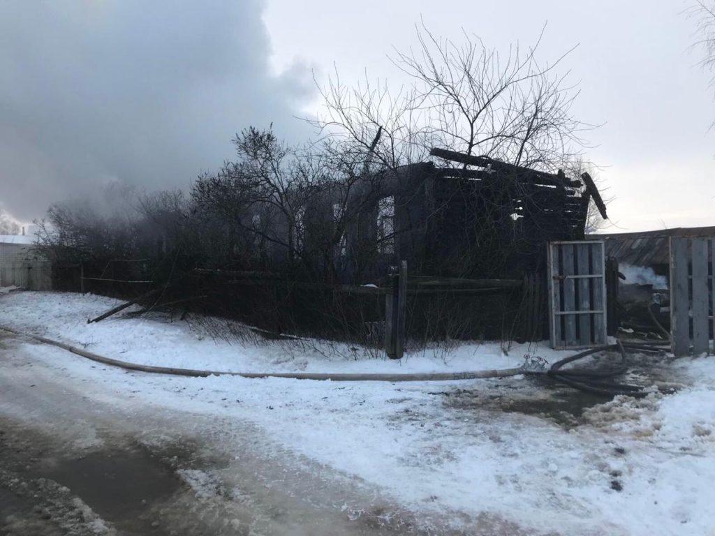 У дома была репутация неблагополучного: жители Бора рассказали подробности крупного пожара в Рождество