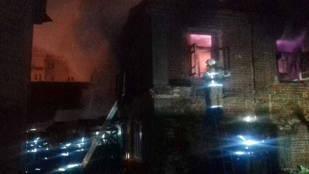Три человека пострадали в пожаре в центре Нижнего Новгорода