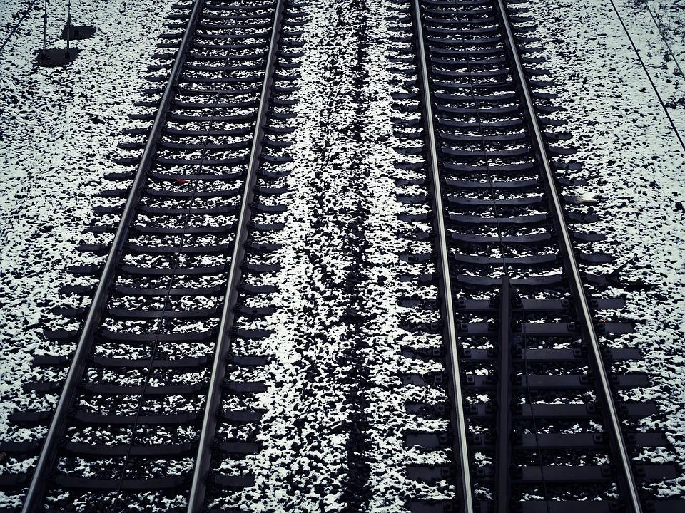 Двоих нижегородцев насмерть сбило поездом