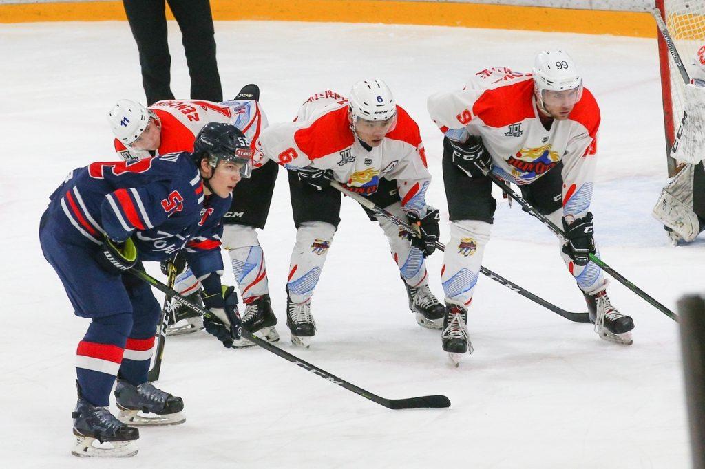 «Проблемы со здоровьем возникли только у одного из игроков»: что произошло с китайским хоккеистом, госпитализированным с признаками ОРВИ