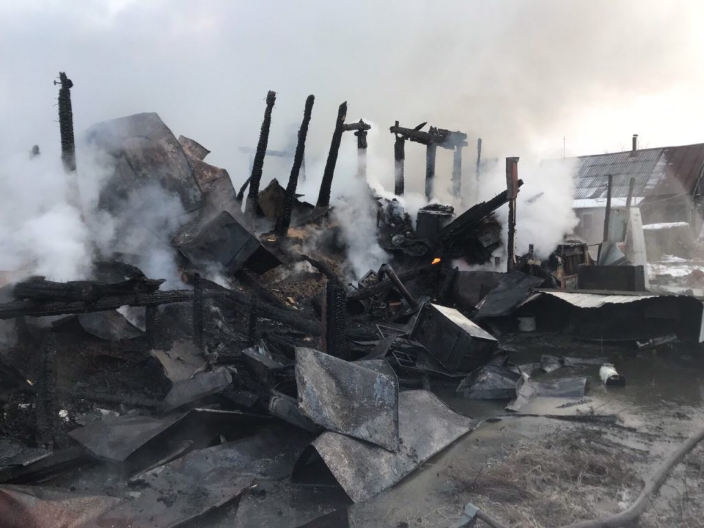 Три человека погибли в сгоревшем в Рождество доме на Бору