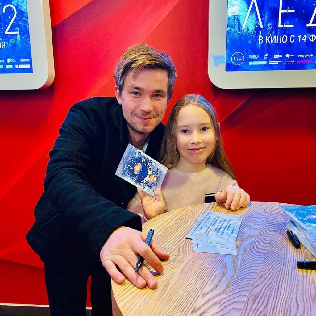 Александр Петров приехал в Нижний Новгород на премьеру «Лёд 2» (ФОТО)