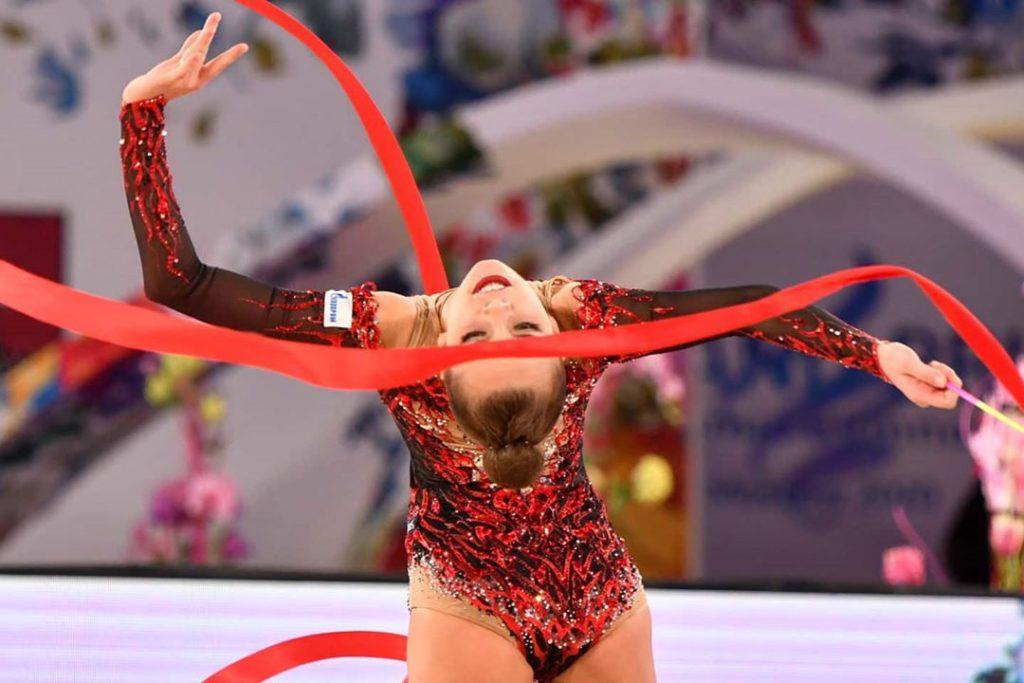 Нижегородская гимнастка Дина Аверина стала лучшей в многоборье на этапе Гран-при