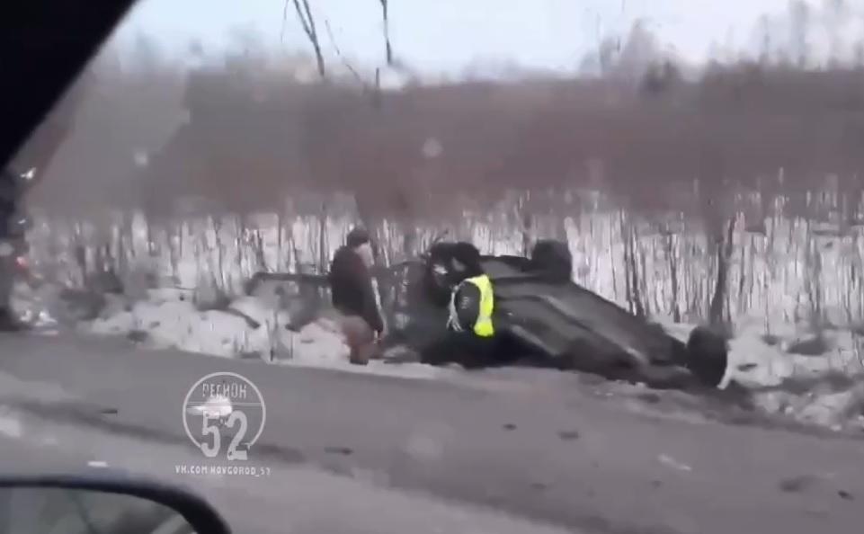 «Машина улетела в кювет, а у фуры почти отвалился прицеп»: серьёзное ДТП произошло под Нижним Новгородом