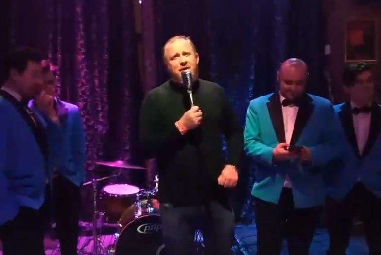 «Отжигали и веселились от души»: нижегородская группа спела на закрытой вечеринке Константина Ивлева
