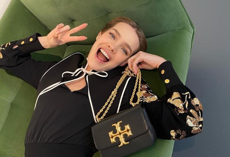 Наталья Водянова оставила детей ради показа моды в Нью-Йорке