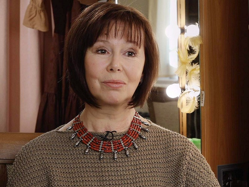 64-летней актрисе Евгении Симоновой удалили лёгкое из-за онкологии