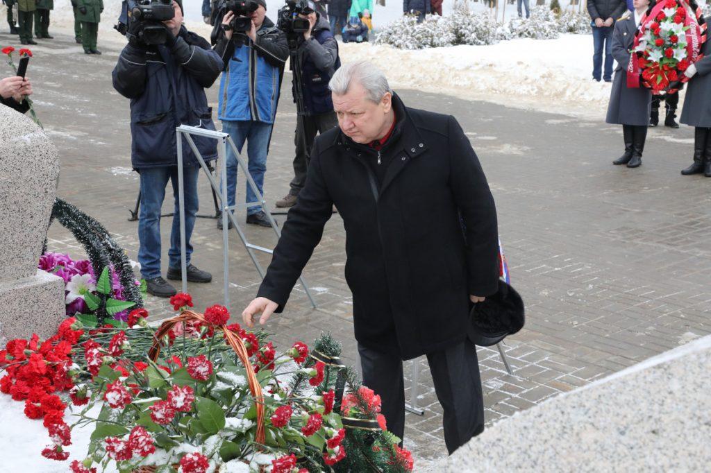 Дмитрий Краснов принял участие вмитинге, посвященном памяти воинов, павших вАфганистане иЧечне